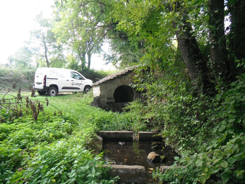 2020 Hydrogéologie traçage Calligée Aveyron Lavoir